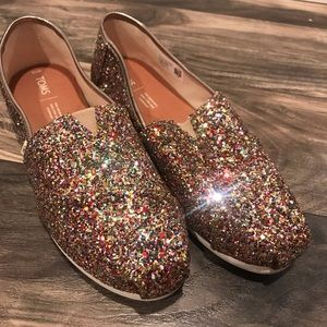 NEW NEVER USED TOMS shoes sparkles